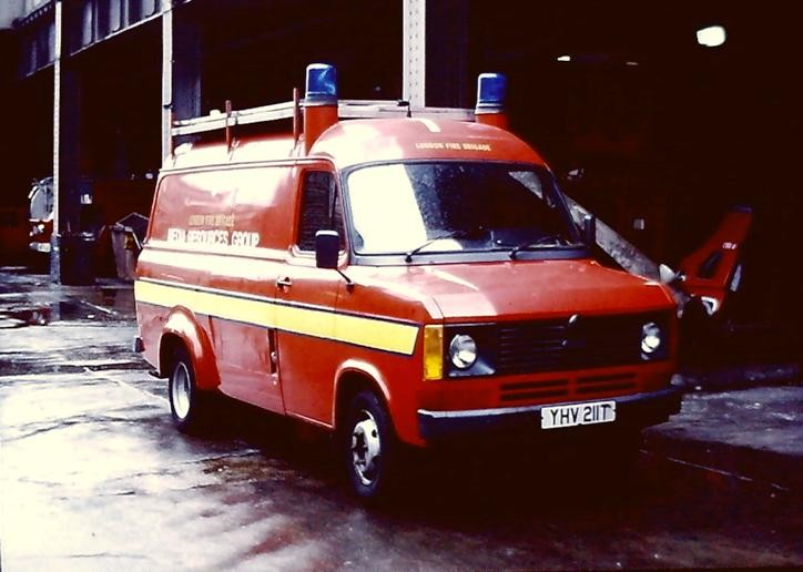Ford Transit Media Resources London FB YHV211T