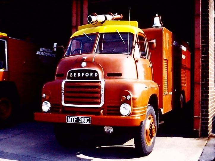 Bedford R ACT MTF381C