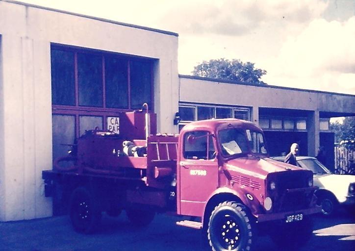 Bedford OY JGF 429