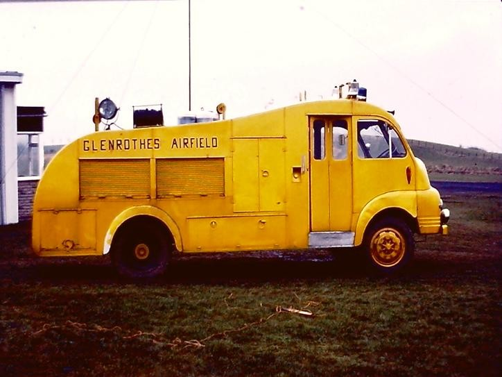 Bedford S/HCB Glenrothes airfield