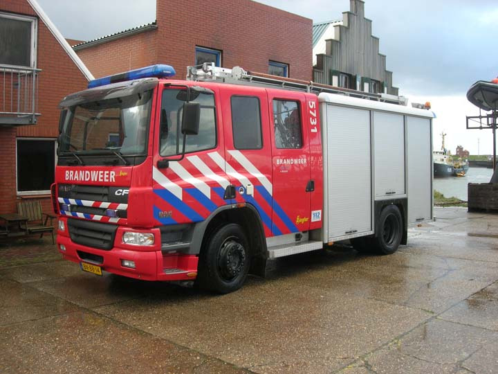 Fire Engines Photos - Brandweer Hulst DAF CF Watertender