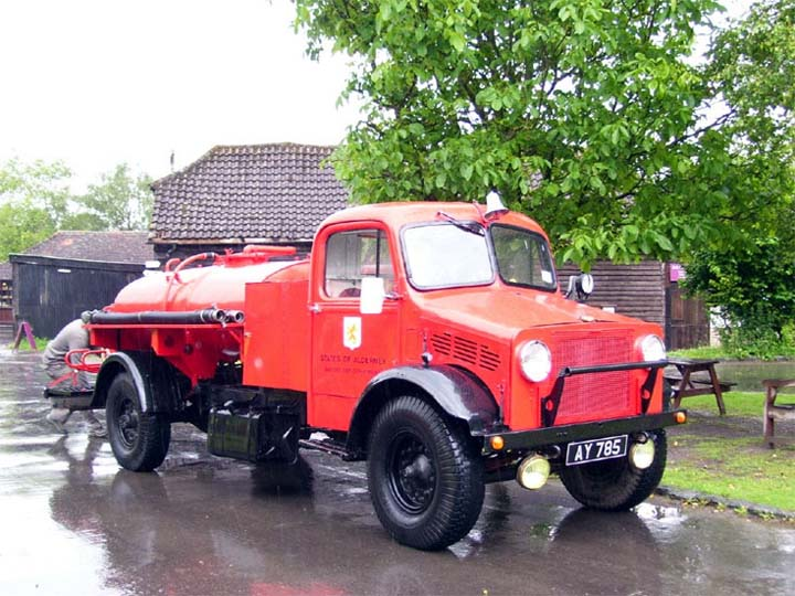 1942 Bedford OY Water Tender