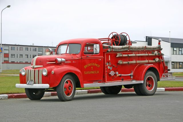 fire engines photos sudurnesja ford oldtimer. Black Bedroom Furniture Sets. Home Design Ideas