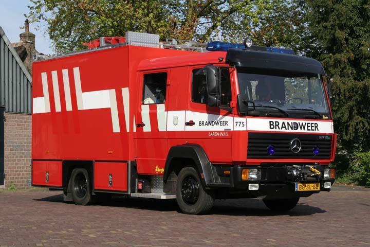Fire engines photos brandweer laren mercedes benz for Mercedes benz emergency number