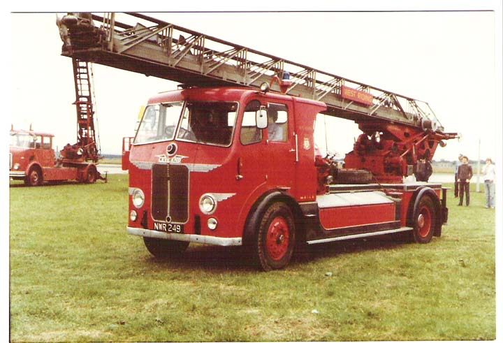 1954 Leyland Beaver/Magirus 100' Turntable Ladder