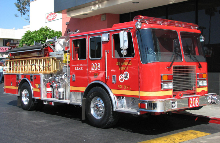 fire engines photos engine 208 los angeles county fire department. Black Bedroom Furniture Sets. Home Design Ideas