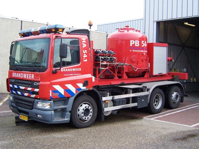 Netherlands DAF 75 pod carrier