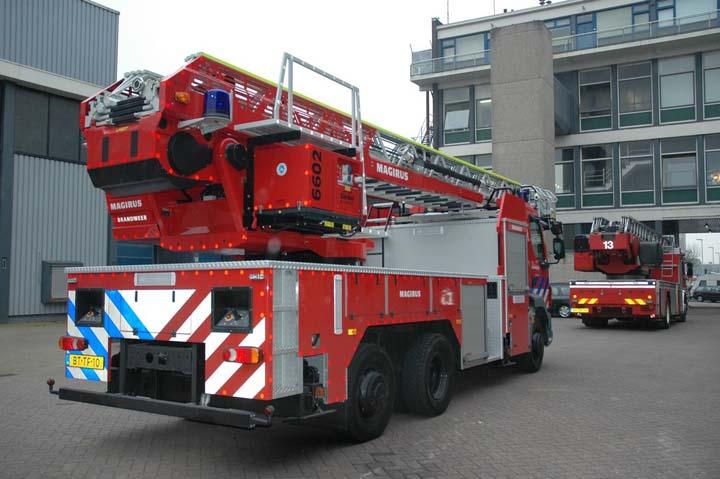 Brandweer Rotterdam Turntable ladder DAF LF