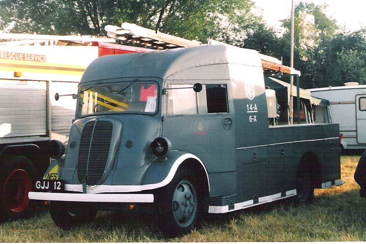 1941 Fordson 7V Heavy Unit (reg GJJ 12)