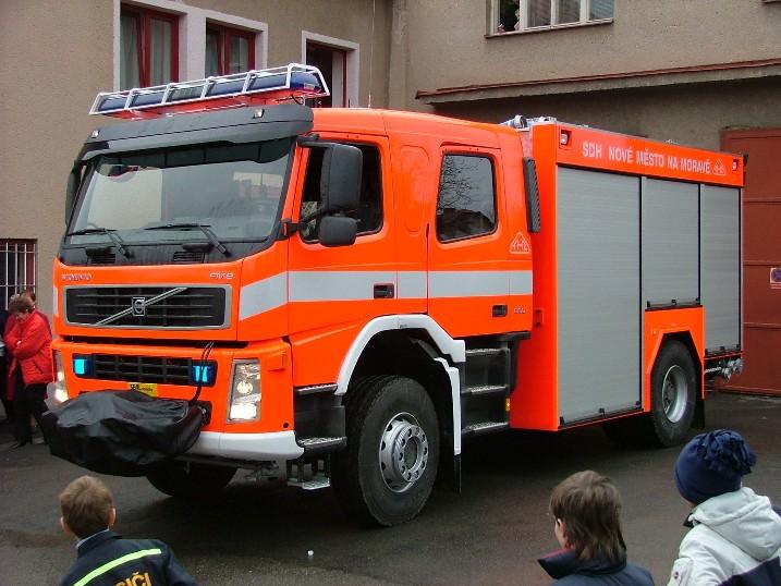 VOLVO CAS24/4000/400 Nove Mesto na Morave