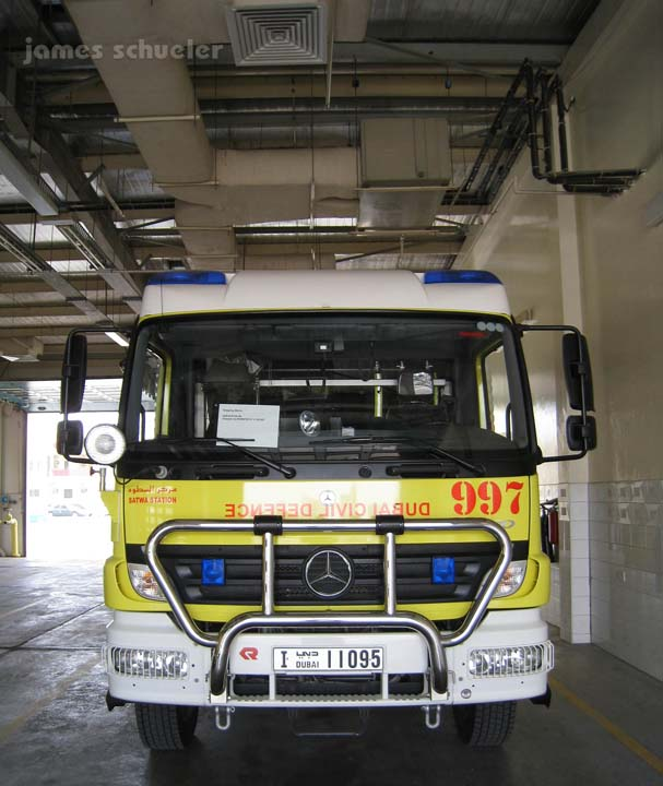 Fire Engines Photos - Dubai Civil Defence Mercedes-Benz truck
