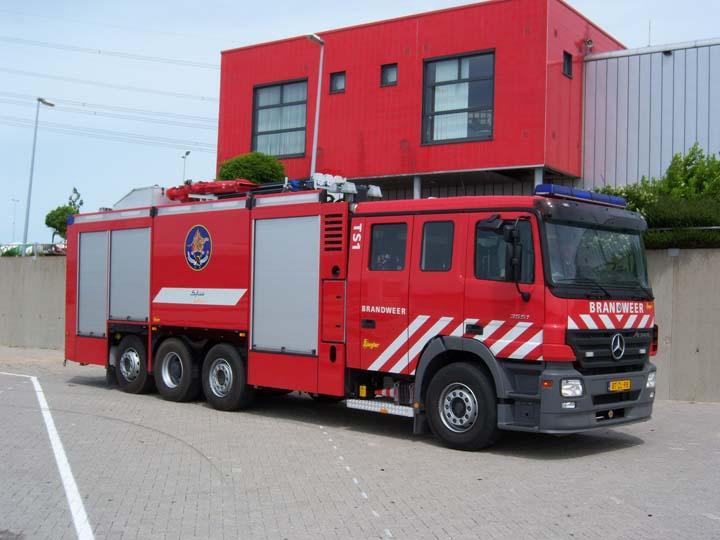 Fire Engines Photos - Sabic Innovative Plastics Works industrial engine