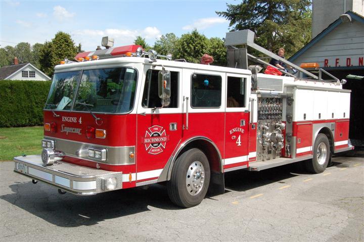Richmond Fire Rescue Engine 4 Old